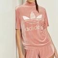 (現貨) Adidas 天鵝絨 高領 短袖上衣 粉色