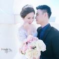 提供平價自助婚紗攝影,禮服出租,婚禮紀錄,新娘秘書