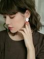 Luxe 金屬圓木片垂墜耳環
