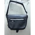Adidas 小側背包