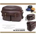 黑葡萄【L6034】日系硬殼復古風斜背包/側背包/可當相機背包---高質感系列