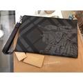 艾蕾嫚小品️Burberry 戰馬黑色各位大戰馬經典19年新款手拿包