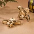 【指尖陀螺 Hand Spinner】指尖陀螺四葉鋁合金鐵盒版(顏色隨機) (7.5折)