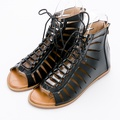 River&Moon大尺碼-個性簍空多層次綁帶羅馬涼鞋-黑