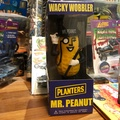 Wacky wobbler mr peanut planters 花生人