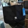 Request!! Adidas Originals 3D Clutch Bag Y2018 #งานoutletFACTORY ดีไซน์สุดฮิตสไตล์ ISSEY MIYAKE ใช้ได้ทั้งชาย&หญิง (งานแบรนด์แท้ 100%)