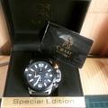 凱撒王Caesar三眼皮帶手錶CA1008橘黑特別色
