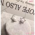 🇭🇰香港正生銀飾代購🛍S925純銀 正生 ⭐️🌙星月珍珠貝耳針 耳環 ‼️現貨+預購