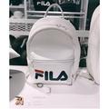【小小商鋪】FILA 小包 小後背包 後背包 包 背包 素 黑 白 藍 綠 基本款 皮製 皮革 禮物