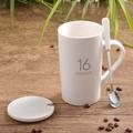 The แก้วกาแฟถ้วยคนรักถ้วยน้ำพอร์ซเลนและแก้วเซรามิ