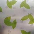 สติ๊กเกอร์ฝ้าติดกระจก แบบมีกาวในตัว ใบไม้เขียวและผีเสื้อ (หน้ากว้าง 90cmx500cm)