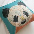 可愛熊貓 抱枕  棉麻材質  43cmX43cm 花色獨特 觸感扎實