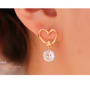 Korean version of the new jewelry elegant hollow love zircon ear nails