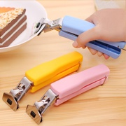 Kitchen gadgets, multifunctional stainless steel chucks, bowl clips, trays, anti-ironing and non-slip bowl clamps