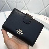 กระเป๋าสตางค์ Coach แท้ F53436 / กระเป๋าสตางค์ผู้หญิง / กระเป๋าสตางค์หนัง / กระเป๋าสตางค์ใบสั้น / กระเป๋าสตางค์ กระเปาตังค์ กระเป๋าสตางค์ใบสั้น กระเป๋าตังค์