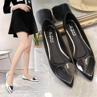 รองเท้าแบน หัวแหลมรูปหัวใจ รองเท้าผู้หญิงรองเท้ารองเท้าคัชชู ( มี 4 สี ฟ้า / ชมพู / ขาว / ดำ )