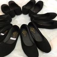 36-44 รองเท้าคัชชูส้นเตี้ย กำมะหยี่สีดำ ใส่เรียนใส่ทำงาน พื้นเรียบ ดำขน รองเท้านักศึกษารองเท้าคัดชู รองเท้าคัทชู หนัง หญิง ส้นกลมสูง องเท้าดำ รองเท้าชุมชน รองเท้าพยาบาล รองเท้าส้นเตี้ยหัวตัด แบบเปิดส้น รองเท้า คัชชูเจลลี่ รองเท้าผู้หญิง สวย นุ่มสบายเท้า