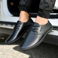 รองเท้าหนังทำงานของผู้ชายแบบใหม่ รองเท้าหนังสุภาพบุรุษ รองเท้าคัชชูผู้ชาย พื้นนิ่ม งานยางผสมพีวีซีผู้ชายรองเท้าลำลอง รองเท้าโลฟเฟอร์ชาย (สีดำ)