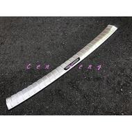 涔峰CF☆(白金黑標)三菱 17年後 OUTLANDER 後外護板 後車廂外護板 後防刮飾板 不鏽鋼後護板 尾門踏板