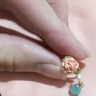 Les Nereides 玫瑰垂墜夾式耳環