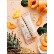 Ferrarossa Peach Exfoliator Facial Scrub