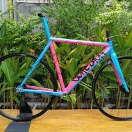 ลดราคา เฟรมรถจักรยานอลูfix gear. Cohesion พร้อมล้อ #ค้นหาเพิ่มเติม กะโหลกจักรยานเสือหมอบแบบอัด ลูกปืน campagnoloฮูดมือเกียร์ ฮูดมือเกียร์ ฝาขันเฟือง ยางฮาร์ฟ สายแต่ง สีทอง