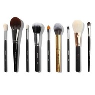 MORPHE BRETMAN'S FAVORITE BRUSHES