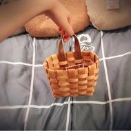 日本 大創 代購 編織小收納籃 皮革掛繩