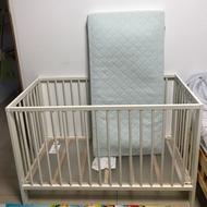 IKEA嬰兒床➕床墊 二手。免運
