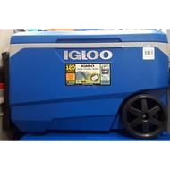美兒小舖COSTCO好市多線上代購~IGLOO 美國製85公升滾輪冰桶行動冰箱(手把設計)