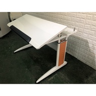 亞梭ARTSO 高級全能辦公桌可調整高度及斜度  繪畫工作桌 工作桌 書桌 兒童學習桌 辦公桌 A769-予新傢俱