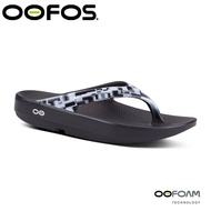 【OOFOS 美國 女 夾腳拖鞋 《淺灰》】W1401/人體工學/舒壓拖鞋/按摩氣墊鞋/透氣涼鞋/夾腳拖鞋