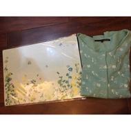 a la sha針織外套2+綠色花叢餐墊