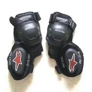 【購物百分百】A星連體護膝 防摔護具 機車護具 磨包可單獨拆出使用