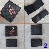 ใหม่ COACH F31522 F11945 F26072 F74993 F24655 กระเป๋าสตางค์แท้ กระเป๋าสตางค์ผู้ชายใบสั้นหนังกระเป๋าสตางค์หนังแฟชั่นกระเป๋าสตางค์ใส่บัตรกระเป๋าสตางค์ Free delivery
