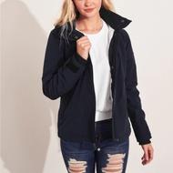 海鷗 Hollister 年度熱銷經典標誌防風防潑水風衣外套(女)-深藍色