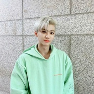 Hoodie NA JAEMIN NCT / SWEATER JEMIN / HODIE Description Pineapple Or CHAT