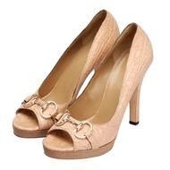 GUCCI 金屬馬銜金釦鱷魚皮典雅高跟鞋(裸膚色-40)