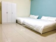 住宿 08超質四人房兩張雙人床, 瘋玩頭份尚順育樂世界, 南庄、竹南、三灣, 最方便、乾淨舒適的環境住所。 台灣地區