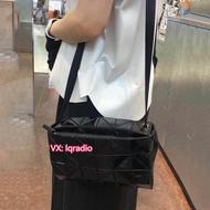 แท้ Issey Miyake  กระเป๋าแขวน Issey Miyake sling bag