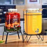 復古無鉛玻璃壺開關瓶果汁罐冷飲冷水壺大容量不耐熱水龍頭飲料桶 衣櫥秘密