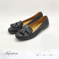 KWINTRA 1 รองเท้าคัชชูแบบมีพู่ สีดำ และ สีครีม