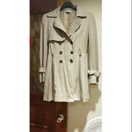 甜美日系dazzlin 排釦傘狀綁帶風衣外套