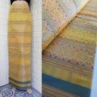 m131 (แพคสินค้าใน 1 วัน) ผ้าไทย ผ้าไหมแพรวายกสี ผ้าไหม ผ้าไหมทอลาย ผ้าไหมสังเคราะห์ ผ้าถุง ของรับไหว้ ***ผ้าเป็นผ้าผืนยังไม่ตัดเย็บนะคะ** ขนาดผ้า 200*100 cm