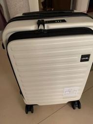 LOJEL Cubo cabin size 4 wheelers bag left white only