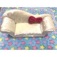 這間🏠柑仔店 《HELLO KITTY》沙發造型絨毛珠寶盒  日本景品