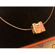 Hermes 愛馬仕 H 蜜桃粉色  經典  黑金色  項鍊