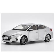 Hyundai Elantra 1/18模型車
