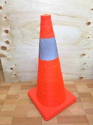 優惠組合【60公分伸縮三角錐+LED警示燈YA001】NO135路錐反光錐汽車安全警示路障三角錐交通錐【八八八】e網購~