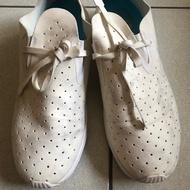 [二手轉賣]八成新 native  阿波羅 全白 女鞋